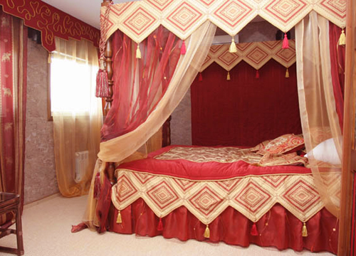 Спальня в индийском стиле.