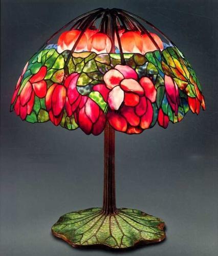 """Настольная лампа Tiffany """"Розовый лотос"""" за 2 млн. 800 тыс. долларов США"""